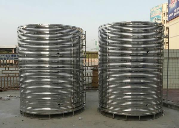 清除不锈钢保温水箱的沉淀物和废水