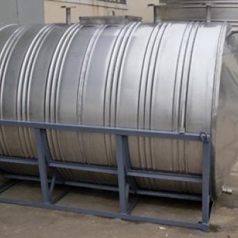上海不锈钢圆柱形水箱