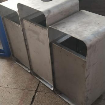 众旗不锈钢移动公厕安装项目