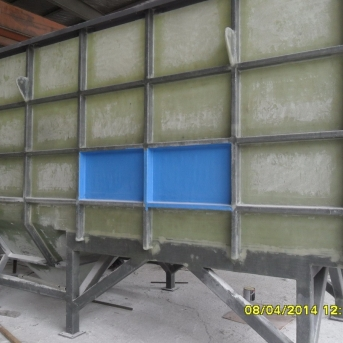 眾旗玻璃鋼污水水槽,化工水箱安裝項目
